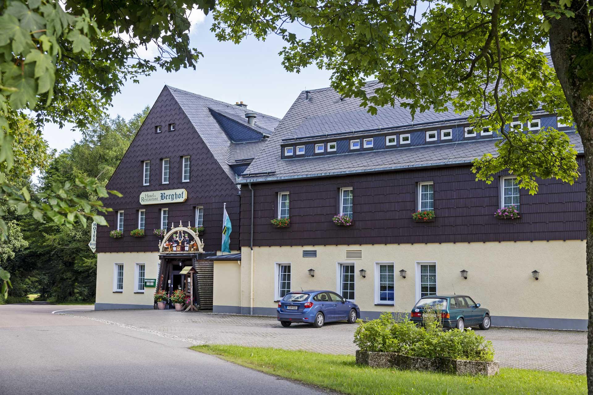 hotel-berghof-hausansicht2