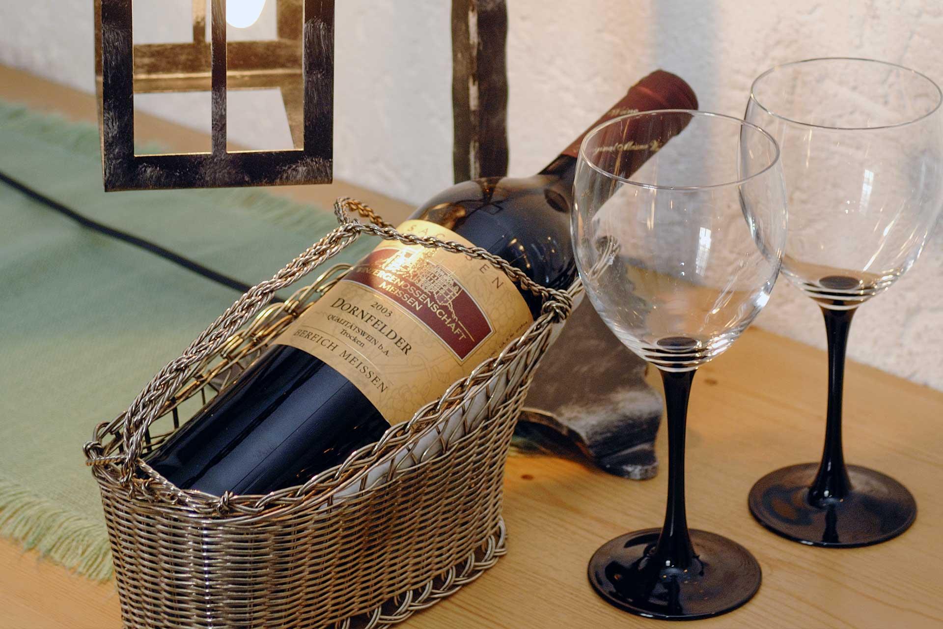 hotel-berghof-restaurant-weinflasche