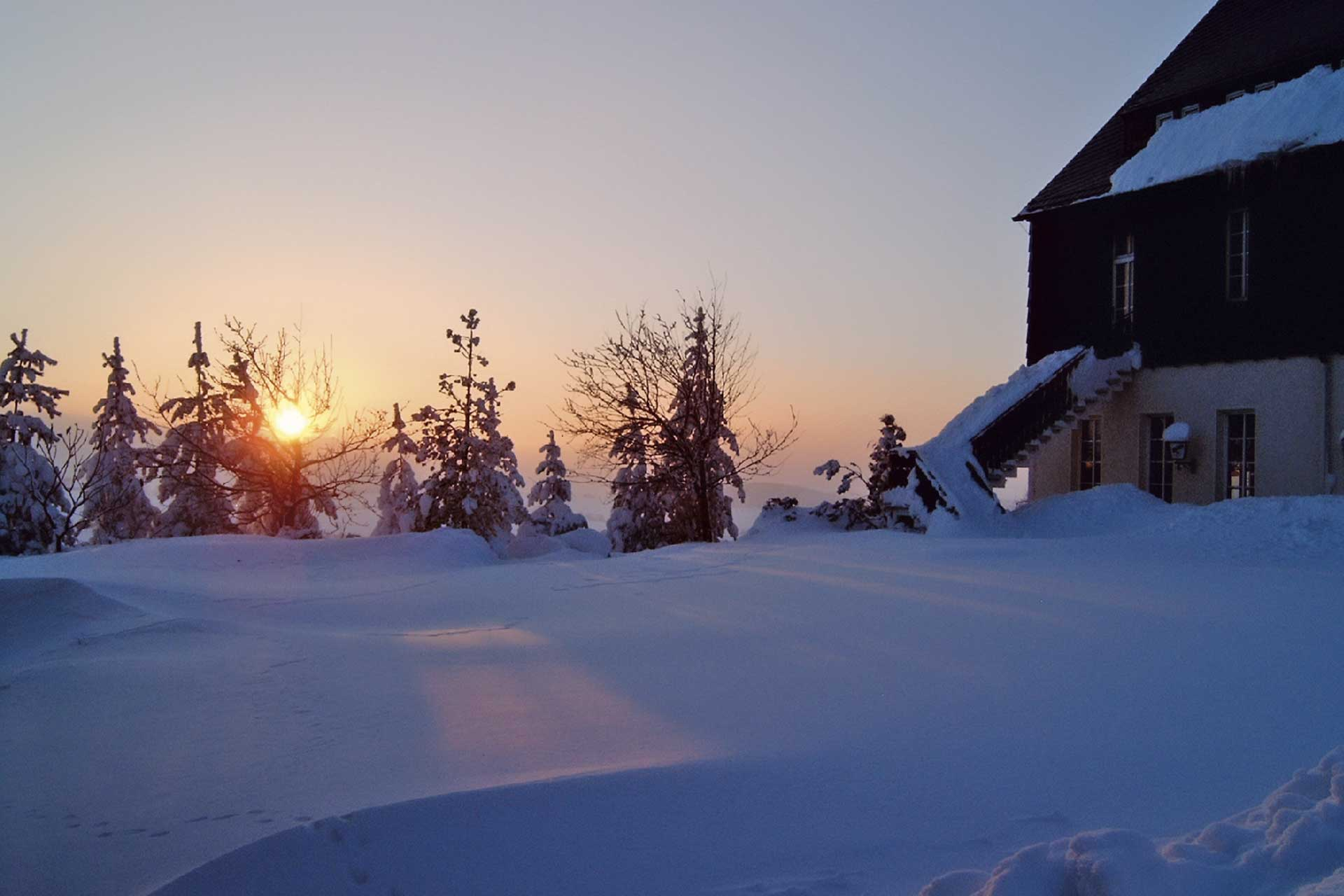 hotel-berghof-winter-sonnenuntergang
