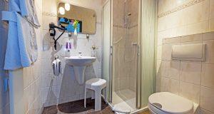 hotel-berghof-badezimmer1