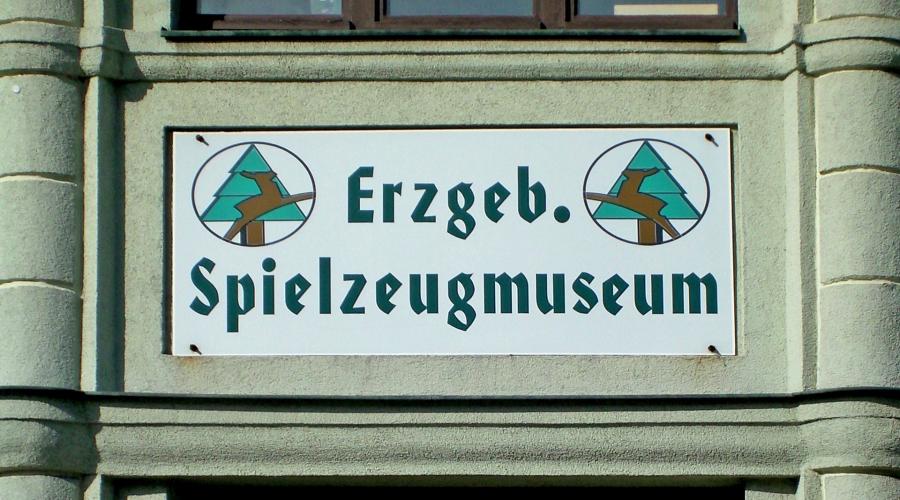 hotel-berghof-spielzeugmuseum